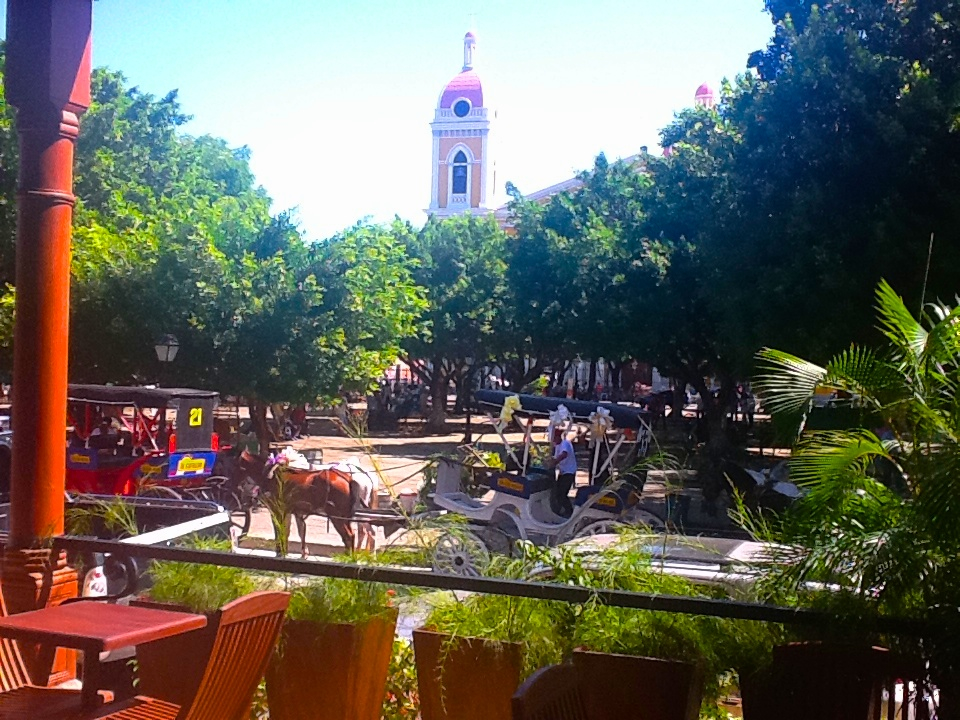 granada-town-sq-from-cafe-w-horses-img_1552