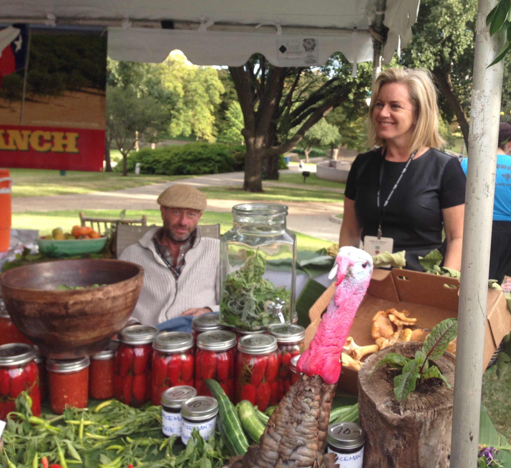 Tom Spicer and Anne oliver lewis at farmers for farmers at Lee Park
